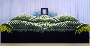 グラデーション祭壇G-18 : サイズW5,400 x H2,300 x D1,400(mm)