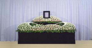 グラデーション祭壇G-3 : サイズW3,600 x H2,000 x D1,000(mm)