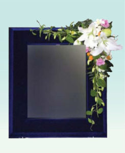 ビロード額 : 使用花材/デンファレ・オリエンタル百合など