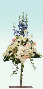ポール2 : 使用花材/デルフィニュウム・オリエンタル百合・デンファレ・ファレノなど